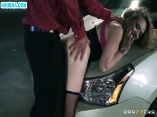 Скриншот Сисястую блондинку отодрали на парковке