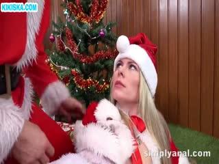 Скриншот Новогодний анал с развратной блондинкой