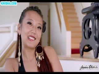 Скриншот Рыжая китаянка извивается от кунилингуса