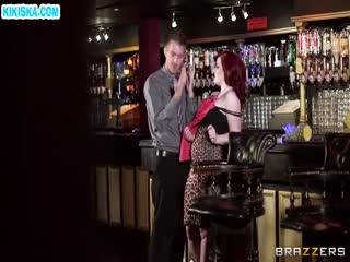 Скриншот Трахалка с рыжей бабенкой в баре