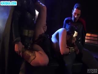 Скриншот 3 для Бэтмэн с Суперменом на пару отодрали Чудо Женщину