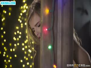 Скриншот Дед мороз жарит закованную блондинку