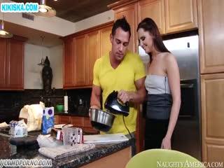 Скриншот Хардкорный секс вместо завтрака на кухне