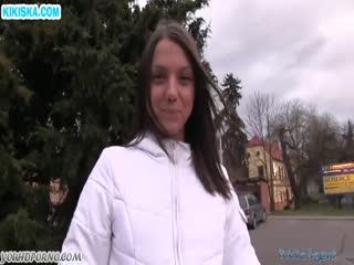 Скриншот Русскую девку насадили на большой болт
