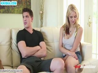 Скриншот Блондинка любит когда ее трахают в попу