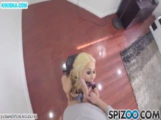 Скриншот Домашний секс с фигуристой блондинкой
